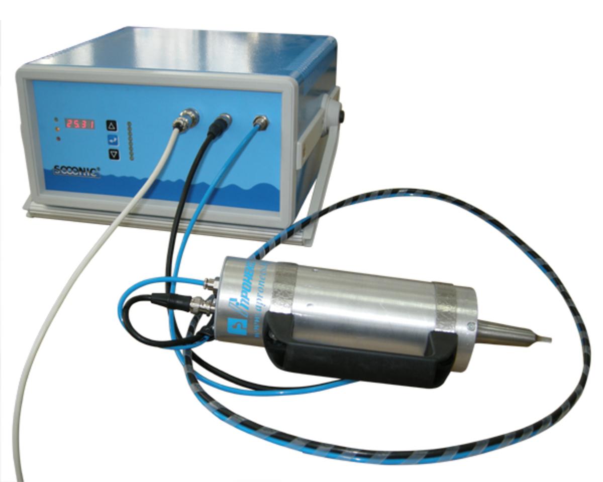 Hand-held sonotrode for ultrasonic welding
