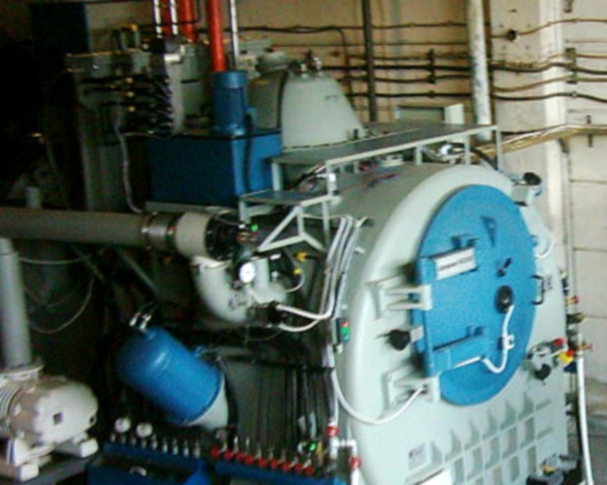 Двукамерна вакуумна пещ AproPower VF-2-100